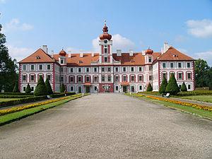 Waldstein family - Image: Mnichovo hradiste zamek od sala terreny