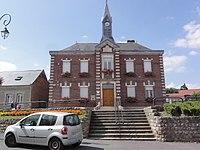 Montbrehain (Aisne) mairie.JPG