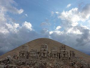 Mount Nemrut - Image: Mount Nemrut (1)