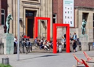 Museum Kunstpalast - Image: Museum Kunstpalast Eingang Westflügel (8235 37)