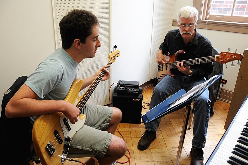 File:Music Lessons Guitars Tulane.jpg