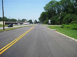 New Jersey Route 160 - Route 160's former northern terminus at U.S. Route 206 in 2016. The former alignment of U.S. Route 206 southbound is noticeable to the west
