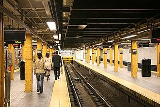 Flushing–Main Street (IRT Flushing Line) - Center track