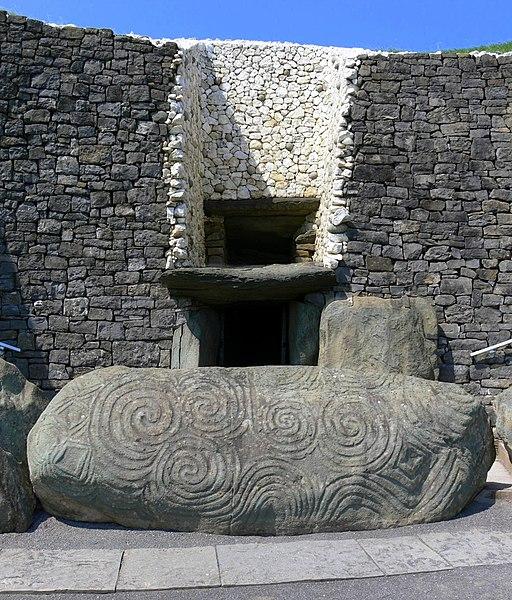 File:Newgrange, Meath.jpg