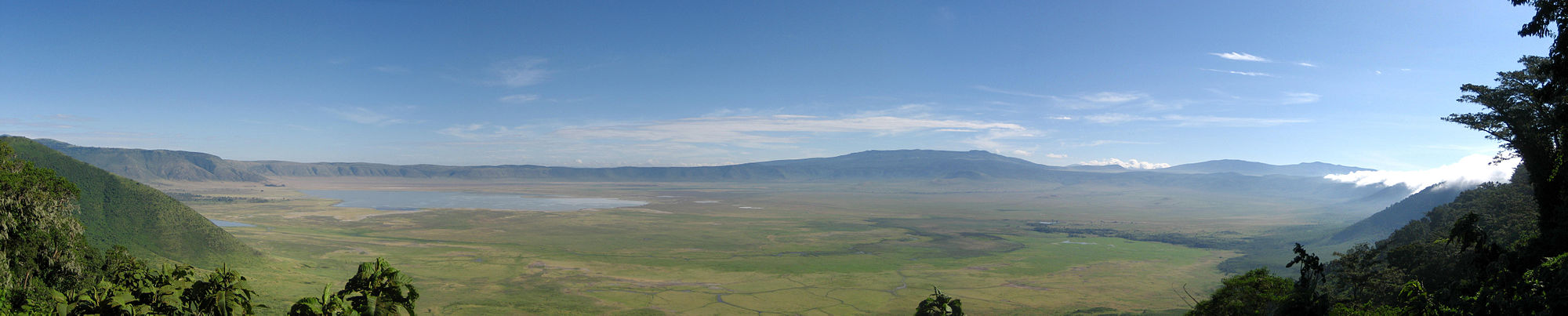 Ngorongoro Crater Panorama.jpg