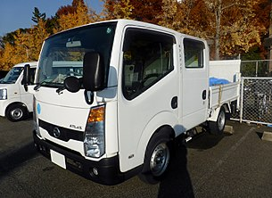 Nissan ATLAS Doublecab (F24) front.JPG