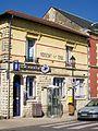 Nogent-sur-Oise (60), la poste, rue du général de Gaulle.jpg