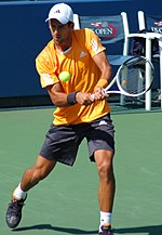 Novak Đoković at the 2009 US Open 03.jpg