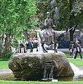 Oberammergau Brunnen vor Passionsspielhaus.jpg