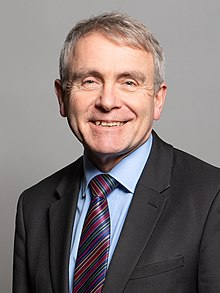 Officieel portret van Rt Hon Robert Goodwill MP crop 2.jpg