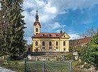 Pörtschach Kirchplatz Pfarrkirche hl. Johannes d. T. S-Ansicht 29032020 8588.jpg
