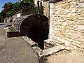 PUY L EVEQUE, Fontaine des Thérons.jpg