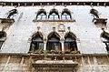 Parenzo, casa gotica lion, 1473, 02 trifore.jpg