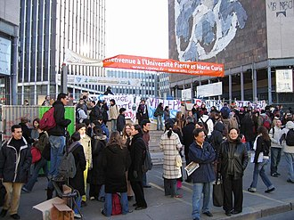 2006 youth protests in France - The protest at Jussieu Campus
