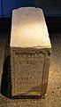 Pedestal d'una estàtua eqüestre, centre arqueològic de l'Almoina de València.JPG