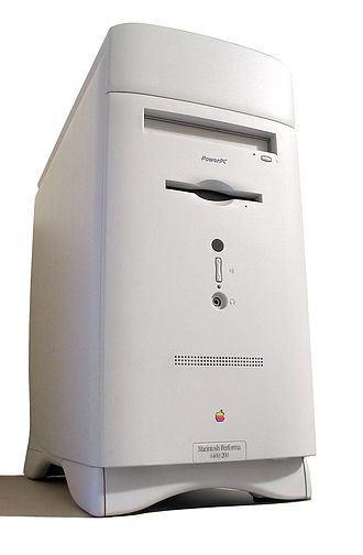 Macintosh Performa - The Macintosh Performa 6400 is one of the few Performas to use a tower case.
