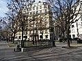 Petite place parisienne, place Georges Guillaumin, Paris (24879654153).jpg