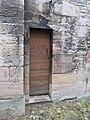 Petite porte de l'église de la Madeleine à Tournus.jpg