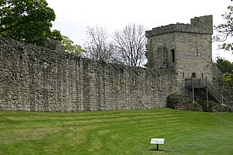 Pickering Castle - Defensive wall and tower of Pickering castle