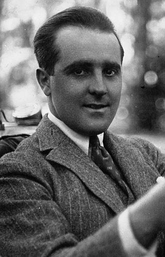 Pierre De Vizcaya - Pierre de Vizcaya in 1922