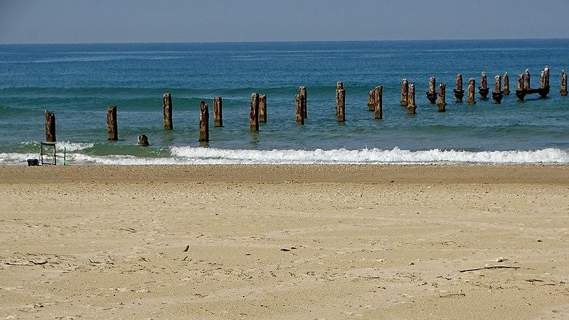מזח כפר ויתקין בחוף בית ינאי