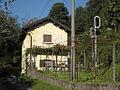 Pino-Tronzano - stazione ferroviaria - casello.JPG