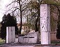 Pomnik w Kaletach.jpg