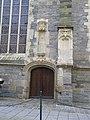 Porte laterale eglise st yves - panoramio.jpg