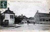Pouan-les-Vallées place du 14 juillet.jpg