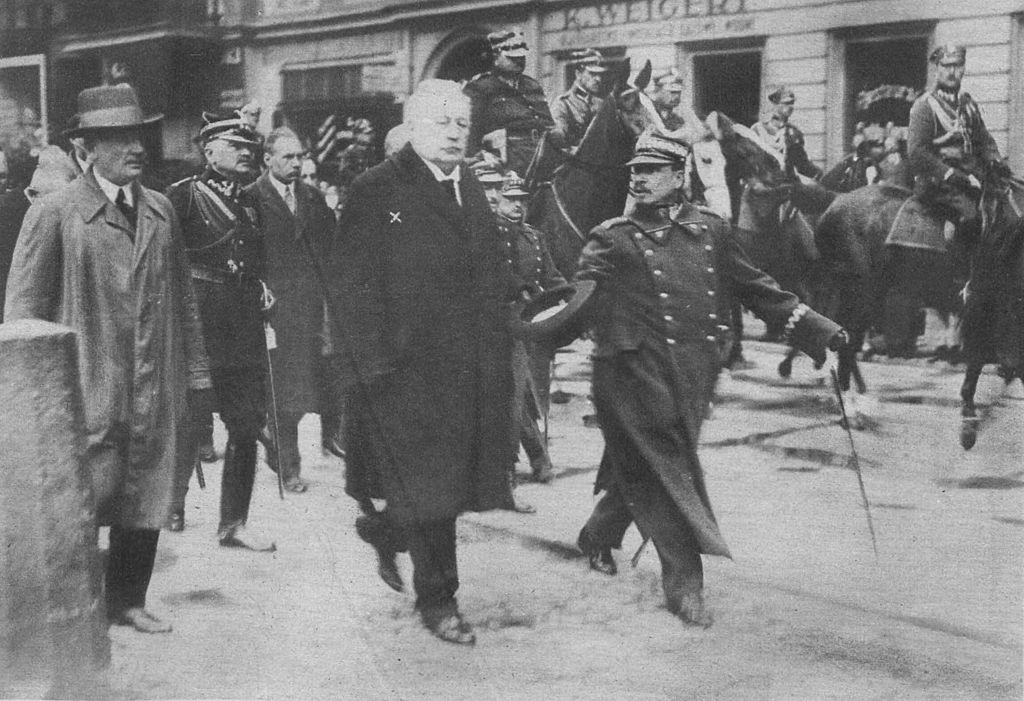 Zamach Photo: File:Poznan 1926 Zamach Majowy.jpg