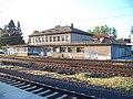 Praha-Běchovice, nádraží, z kolejiště.jpg