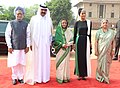 Pratibha Devisingh Patil, the Prime Minister, Dr. Manmohan Singh and his wife Smt. Gursharan Kaur with the Emir of the State of Qatar, His Highness Sheikh Hamad Bin Khalifa Al –Thani and Her Highness Sheikh Moza Bint Nasser.jpg