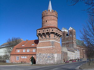 Oberbaum Bridge - The towers were based on the Brick Gothic Mitteltorturm in Prenzlau