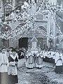 Procession du Voile de la Vierge à Chartres.jpg