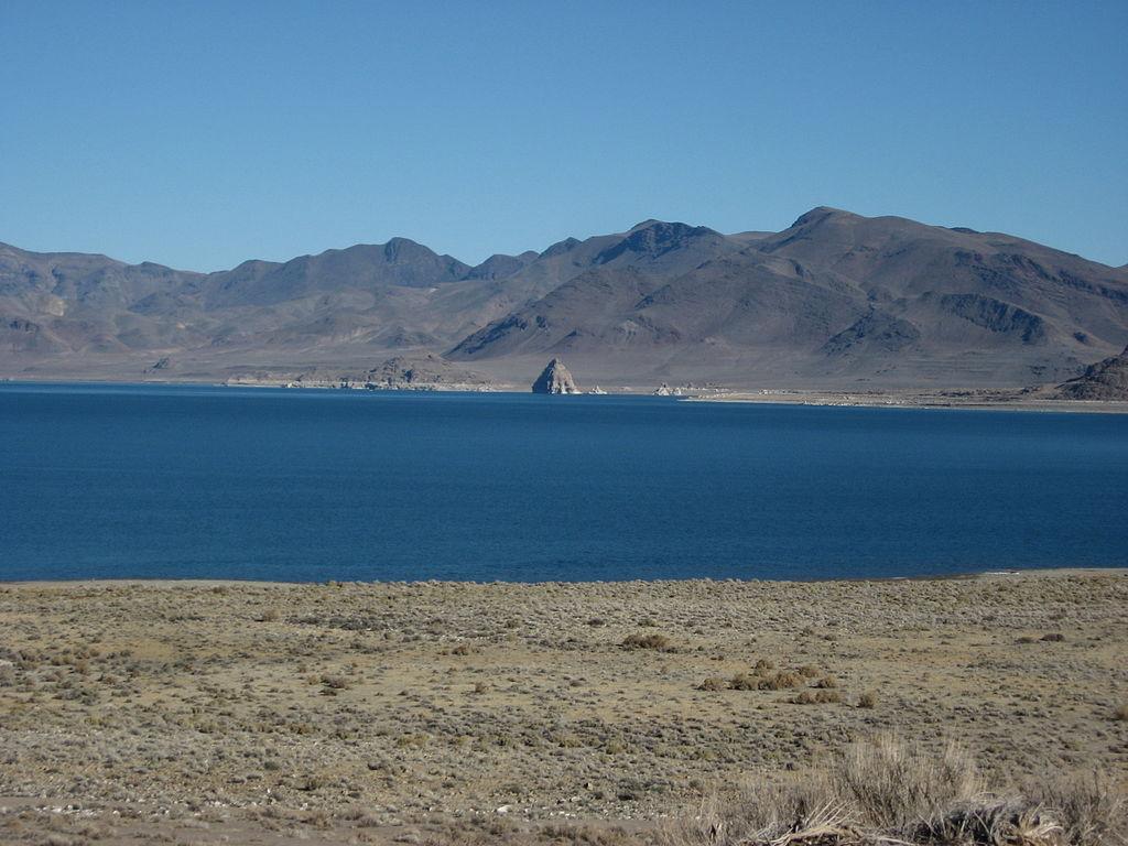 File:Pyramid Lake, Nevada (17) (4135033826).jpg ...