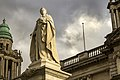 Queen Victoria Monument at Belfast City Hall.jpg