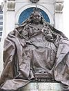 Queen Victoria statue piccadilly02.jpg
