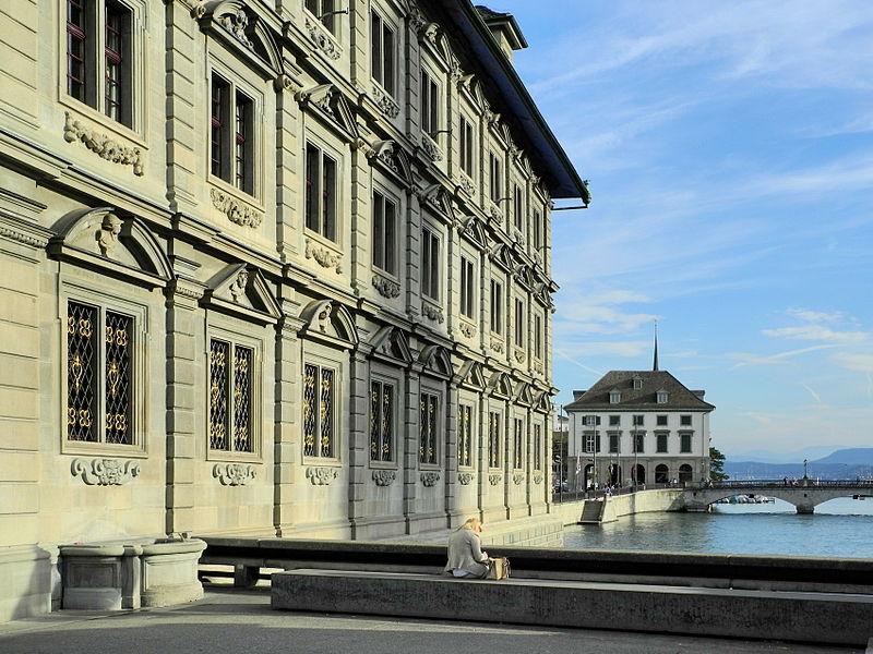 File:Rathaus Zürich - Helmhaus - Münsterbrücke - Grossmünster - Limmat - Gmüesbrugg 2012-09-17 17-27-54 (P7000).jpg