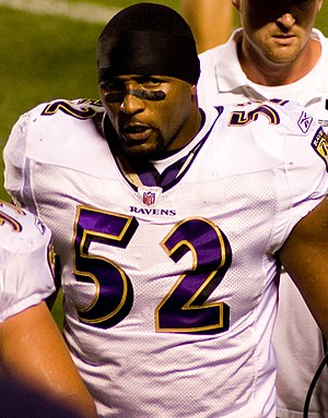 Ray-Lewis-2008-Steelers-regseason-game.jpg