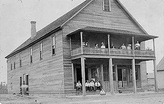 Ray City, Georgia - Image: Ray City Hotel, Ray City, Georgia (circa 1912)