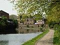 Regent's Canal, De Beauvoir Town - geograph.org.uk - 1272788.jpg