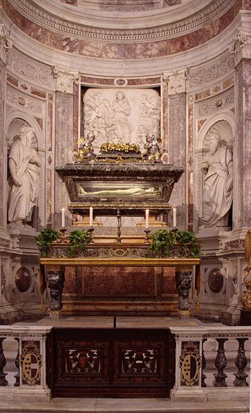 File:Relics of St Ranieri - Duomo - Pisa 2014.jpg
