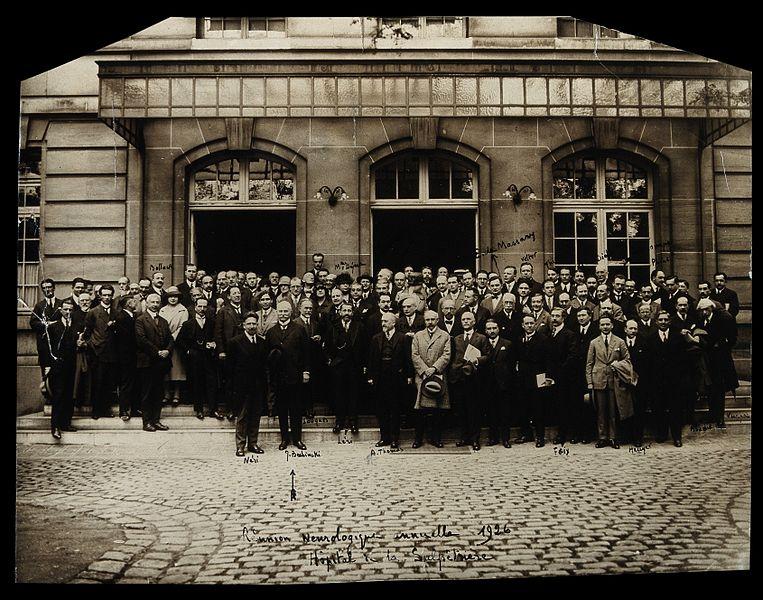 File:Reunion of neurologists at the Salpêtrière hospital. Photogr Wellcome V0028210.jpg