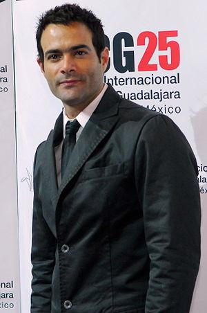 33rd TVyNovelas Awards - Luis Roberto Guzmán, winner for Best Co-lead Actor.