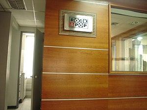 Exterior del locutorio de la Radio Rock and Po...