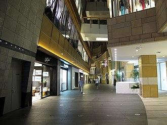 Roppongi Hills - Roppongi Hills West Walk Shopping Arcade