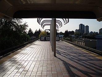 Royal Oak station (SkyTrain) - Platform level looking towards Metrotown town centre