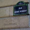 Rue Henri-Robert - Place Dauphine, Paris 1 (2).jpg