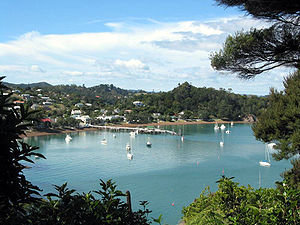 Russell liegt an der Bay of Islands