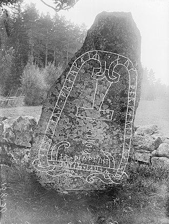Stenkvista runestone - Sö 111 in 1916.
